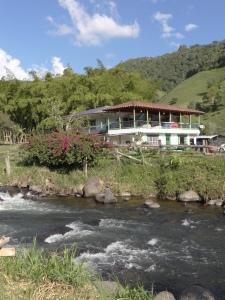 riviere et village de boquia